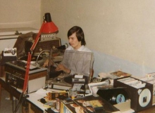Peter van der Holst in de live-studio, juli 1982