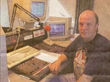 Marc Hermans in de hoofdstudio (Grote Steenweg Zammel-Geel) van FM KEMPEN, september 1997