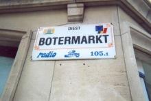 Straatnaambord in de Diestse binnenstad