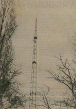 De 32 meter hoge zendmast van Radio WLS in het Kluisbos (foto: eerste helft jaren 80)